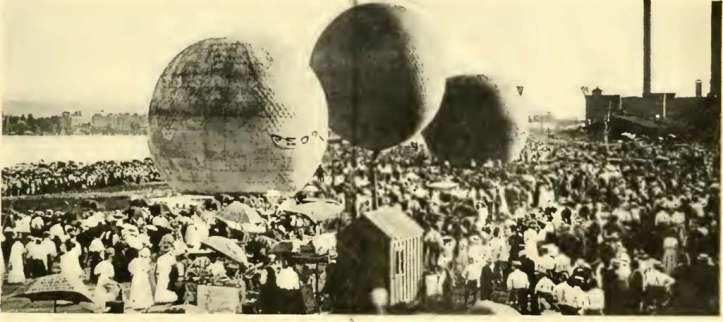 The Peoria, far left, at the start of the Peoria Balloon Race, August 19, 1909. The Peoria won the long distance race when it landed south of Dixon, Missouri.